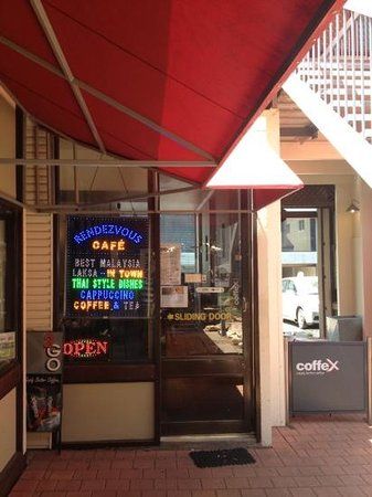 Rendezvous Cafe: out front