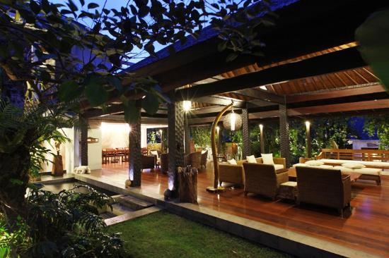 Swarapadi Villa: living area