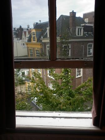 Hotel Pax: a window