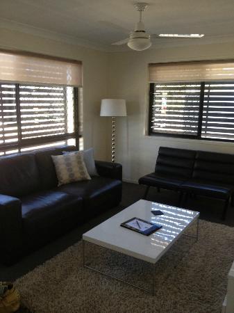 21 on Hursley Motel Apartments: Lounge Room