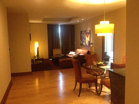 Ascott Sathorn Bangkok: The view frm the door :)