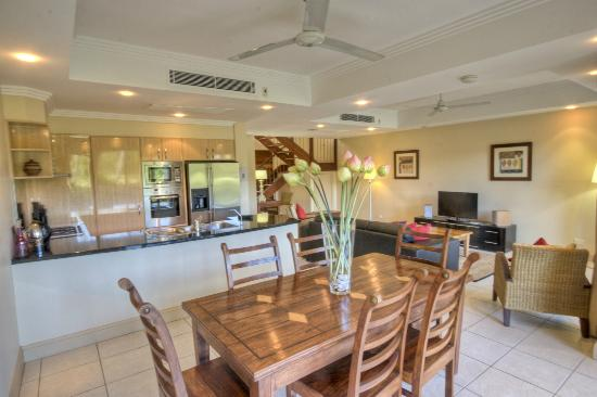 Paradise Links Resort Port Douglas: 3 Bedroom Villa Kitchen