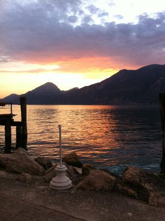 Ristorante Al Vapor: Ausblick auf den Gardasee vom Tisch aus