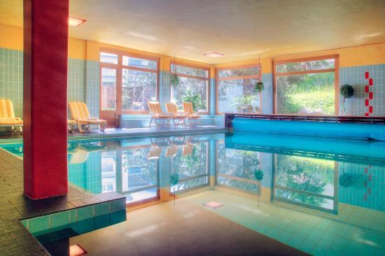 Sunstar Alpine Familienhotel Davos: Sunstar Familienhotel Davos - Hallenbad Pool