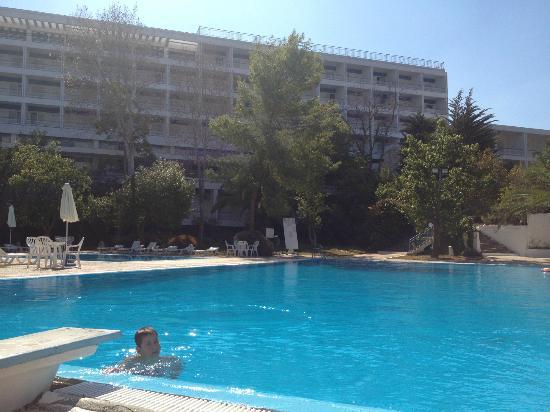Porto Heli, Grèce : Η Πισίνα είναι τέλεια με θαλασσινό νερό!!!