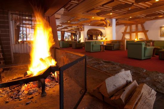 Sunstar Alpine Hotel Grindelwald: Sunstar Hotel Grindelwald - Lobby mit Cheminée