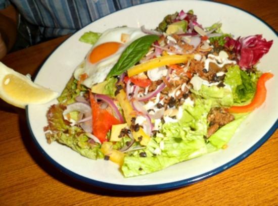 Wired Cafe Atre Ueno ten: Chicken Mushroom Salad