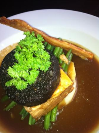 Oat Hill: belly pork!!! fantastic!!! with a crackling shard, and black pudding!