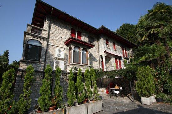 Barony Le Pergole: Die Villa Le Pergole von aussen