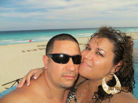 Live Aqua Cancun All Inclusive: Pool day beautiful weather in september! we were lucky, no rain!