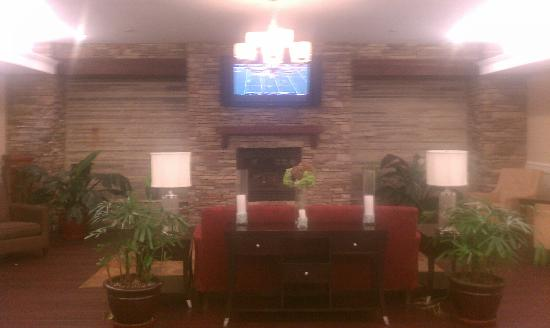 Holiday Inn Express Hotel & Suites Williamsport: lobby (back of building outside The James)