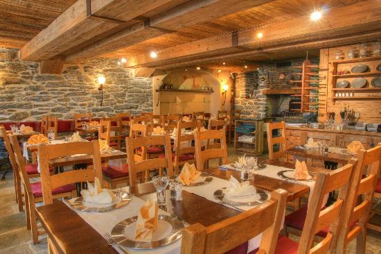 Fee-Challer: Restaurant Fee Chäller im Sunstar Hotel Beau-Site Saas Fee
