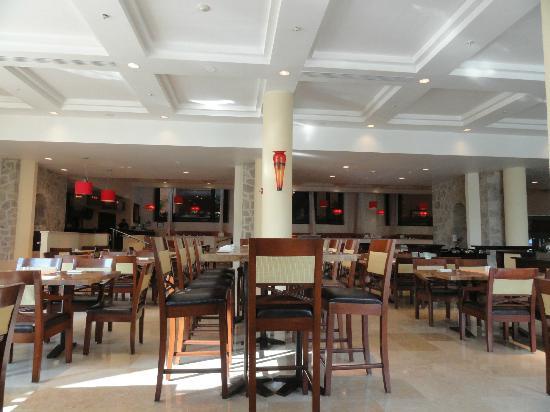 Casa Magna Marriott Puerto Vallarta Resort & Spa: La Estancia restaurant