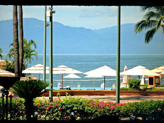 CasaMagna Marriott Puerto Vallarta Resort & Spa: Pool/Beach