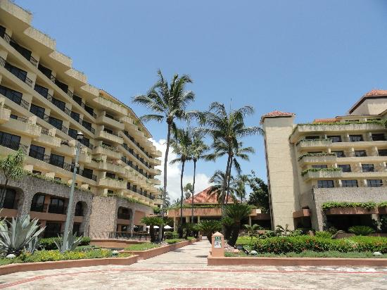 Marriott Puerto Vallarta Resort & Spa: Hotel grounds