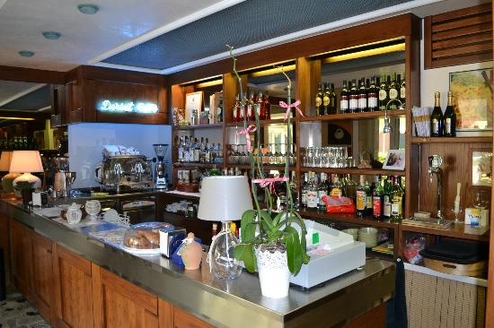 Grottamare Hotel: the bar