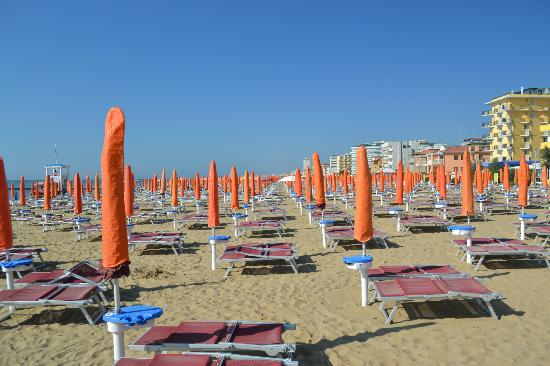 Grottamare Hotel: the beach