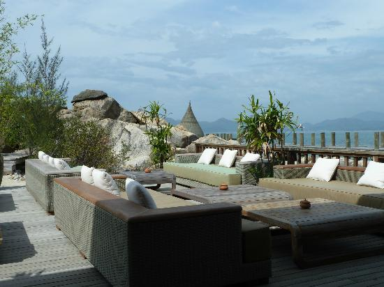 L'Alyana Villas Ninh Van Bay: Relaxation area near the restaurant