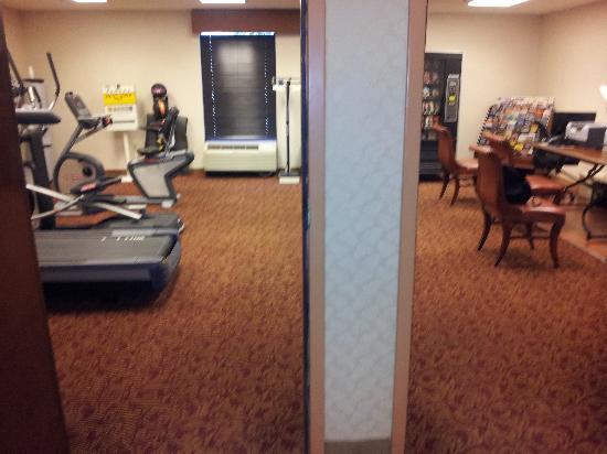 هامبتون إن فيلادلفيا إيربورت: Salle de fitness/Informatique 