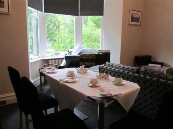 Oakthwaite: Dining/lounge