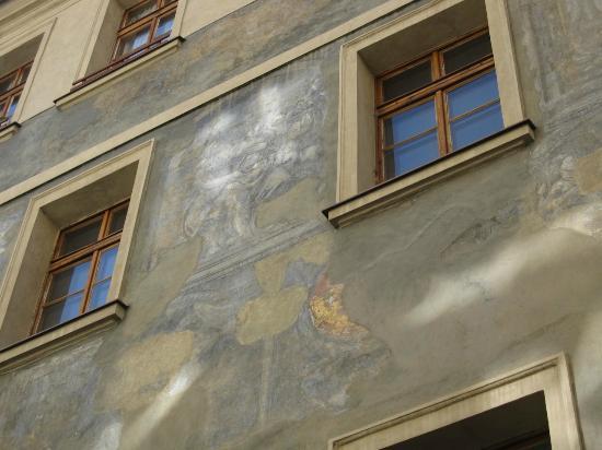 Residence Thunovska 19: Detail of the our building's facade.