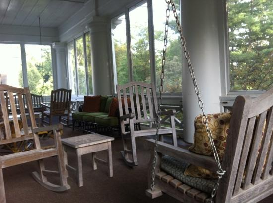 Duke Mansion Bed and Breakfast: Sleeping Porch