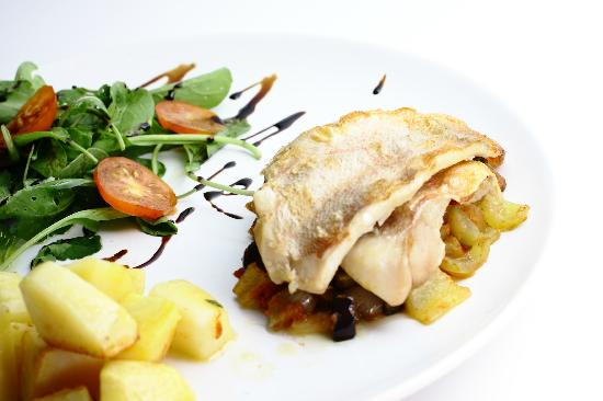 Jurin Podrum: Fillets of the fish with rattatouille, potato and rucola
