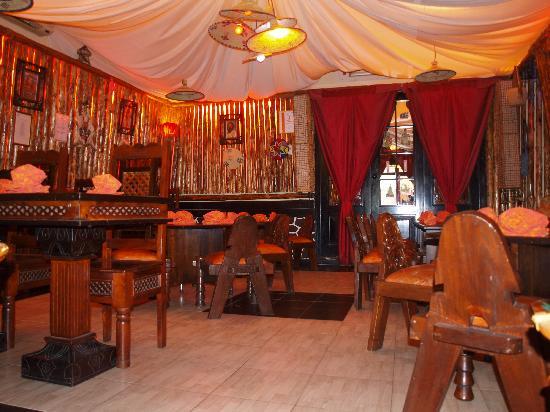Arredamento Etnico Africano : Arredamento etnico eritreo foto di adulis restaurant milano