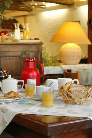 HOTEL RESTAURANT CARTIER : Petit-déjeuner
