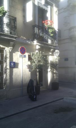 Hotel d'Aragon: Front Door
