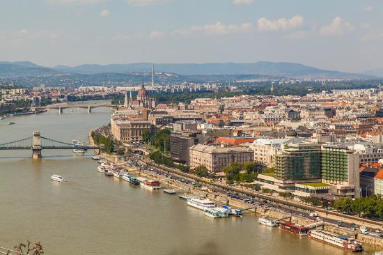 Free Budapest Walking Tours: вид на город