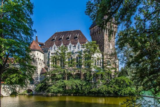 Free Budapest Walking Tours: замок