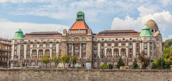 Free Budapest Walking Tours: купальня