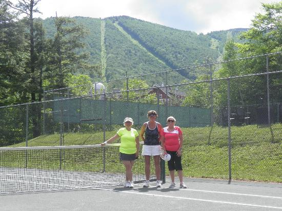 Clay Brook at Sugarbush: A great back drop for fabulous tennis at Sugarbush VT.