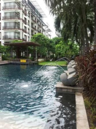 Amanta Ratchada Serviced Apartment Bangkok Hotel: nice poolearea