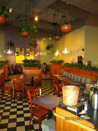 The Works Bakery Cafe': Cavernous coziness