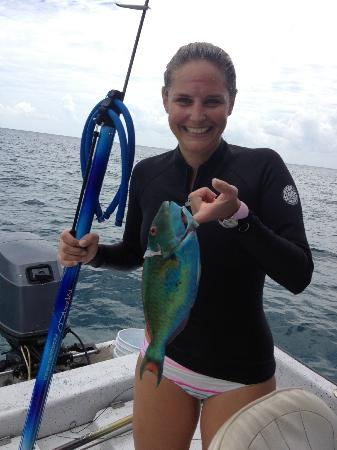 Spearfishing Playa del Carmen : my GF and her parrot