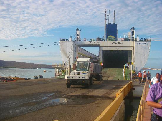 Baja Ferries: Descargando el ferri.
