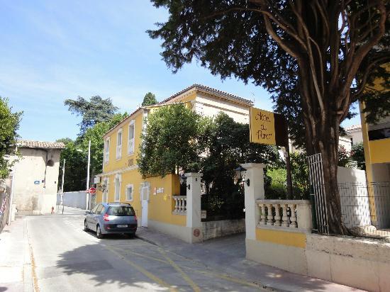 Hotel du Parc: Hotel du Parc, zicht vanaf rue Achille Bege 