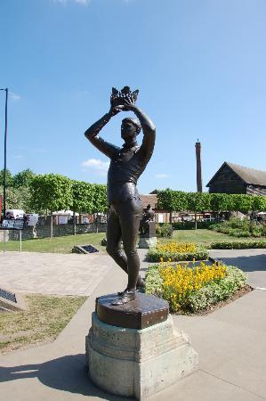 The Gower Memorial:  プリンスHal像