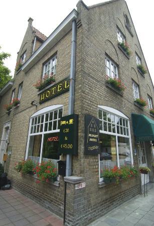 Hotel 't Keizershof : 밖에서 본 호텔 모습....