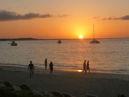 Alexandra Resort: Sunset at Grace Bay