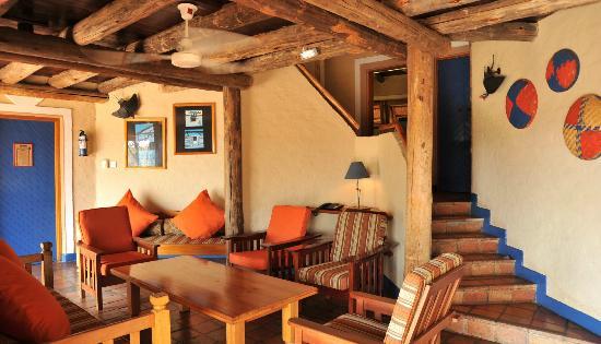 Lokuthula Lodges: B&B lounge area - 3 bedroom
