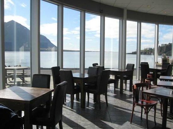 Geirabakarí Kaffihús: The view is fantastic