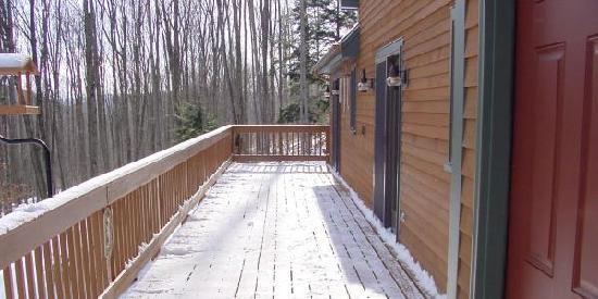 Blue Heron Farm: Maples Deck