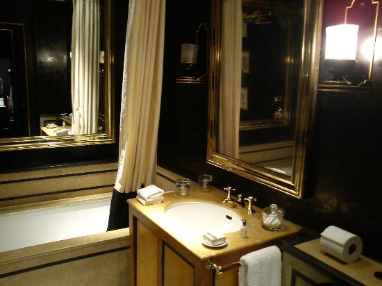 Blakes Hotel: Bathroom