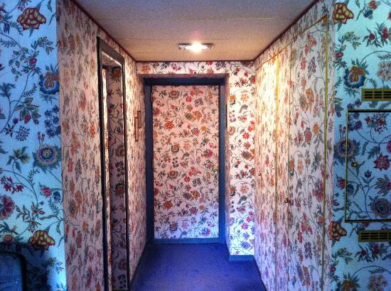 Villa La Principessa: Loud fabric walls