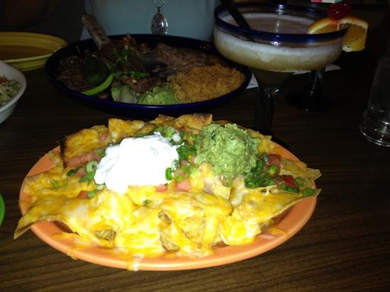 El Rancho Grande: carne asada and chicken nachos!!!