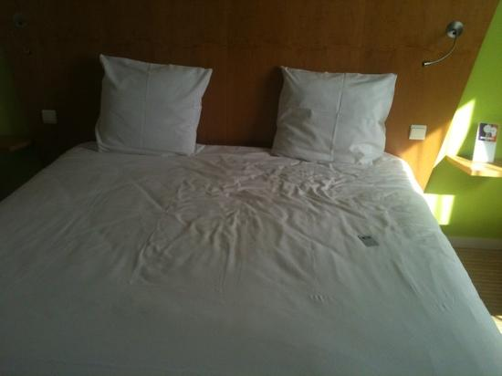ibis Styles Evry Cathedrale : le lit
