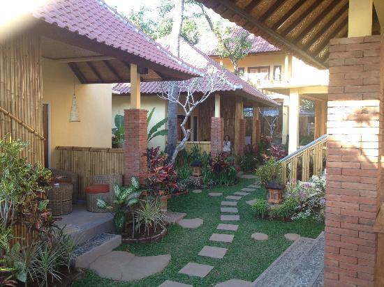 De Potrek Amed: I bungalow e il giardino